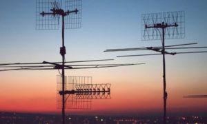 antenna-amatoriale-sul-tetto-condominiale-482x270-1-750x450